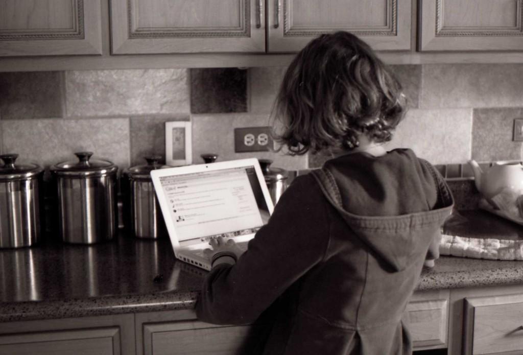 stockvault-laptop-girl104388