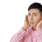 耳掃除のやりすぎに注意!耳詰まり・こもる原因に!