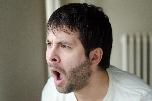 生あくびの原因と症状
