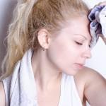 吐き気を伴う、首の痛み・頭痛!女性は特に気をつけて!