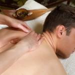 背中の真ん中の痛み!息苦しい鈍痛が続く病気について解説!