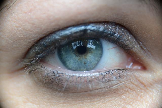 目の充血が治らない!