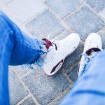 足がブルブル震えるのは病気?4つの原因と注意したい症状!
